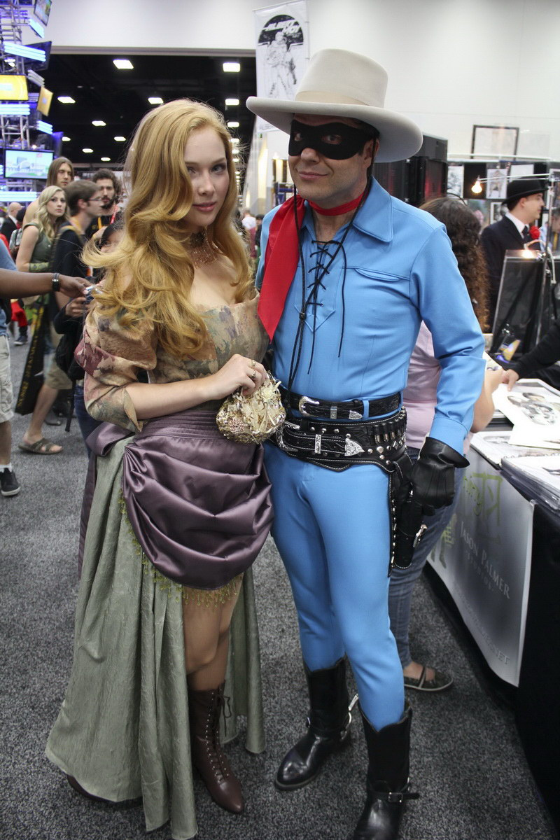 molly-quinn-comic-con-2012 Images & Pictures - Becuo